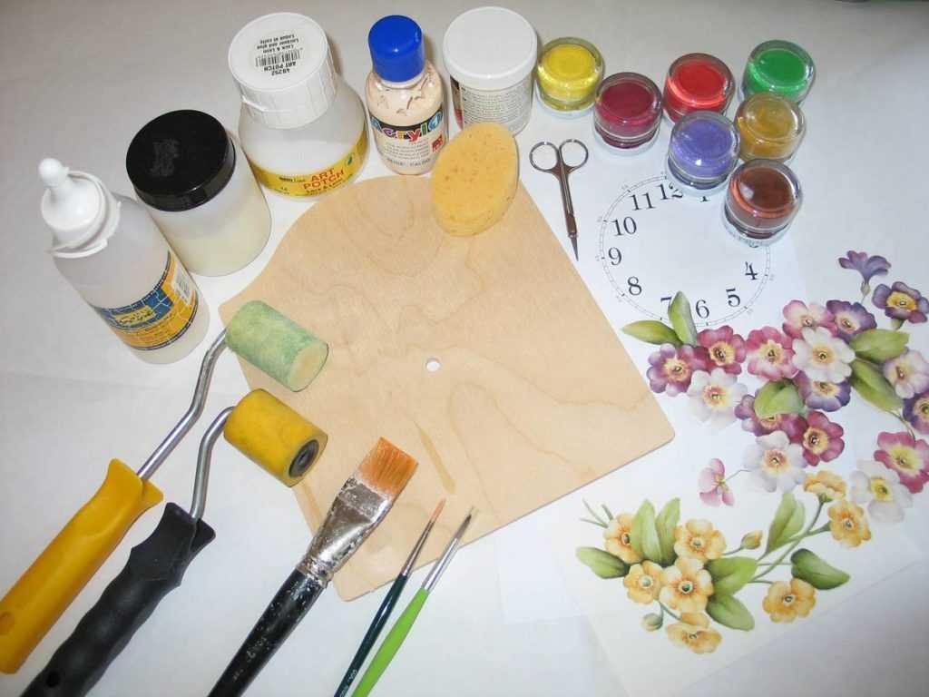 Краски на основе акрила для росписи по дереву