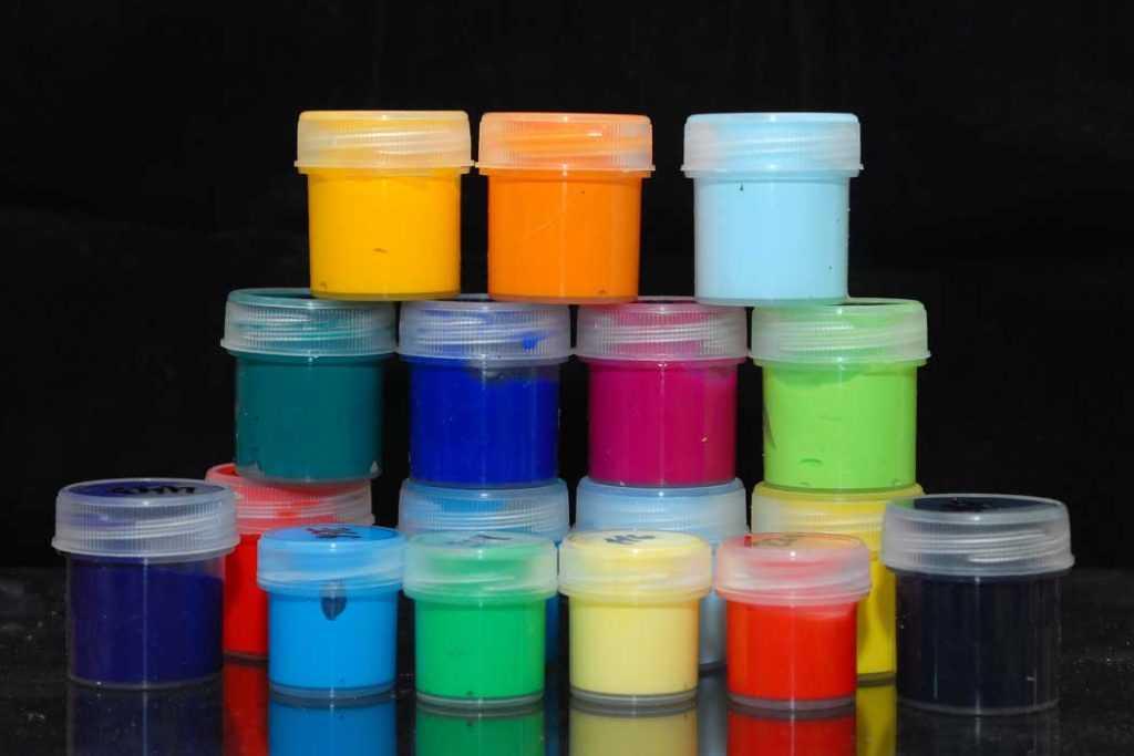 акриловые краски смываются ли водой