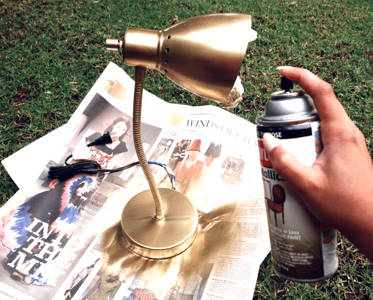 Применение золотых красок при декорировании элементов антуража