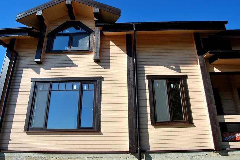 Фасад дома окрашенный резиновой краской_2