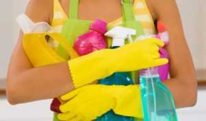 Подготовка к мытью потолка