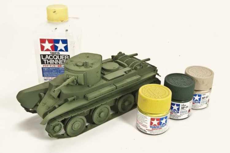 Применения акриловых красок для раскрашивания моделей