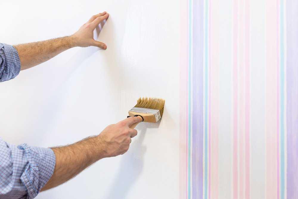 Как на масляную краску поклеить обои