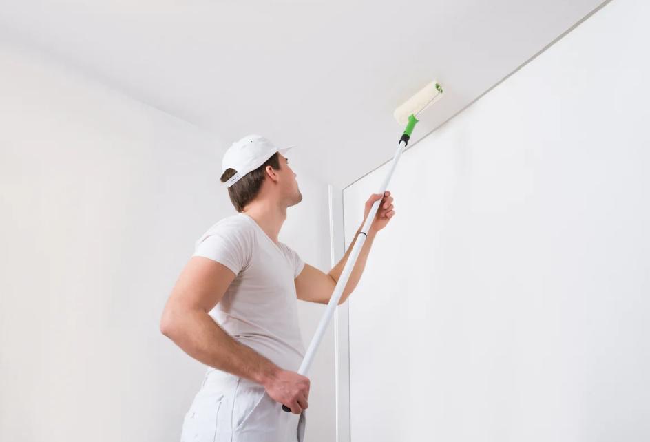 Окрашивание потолока