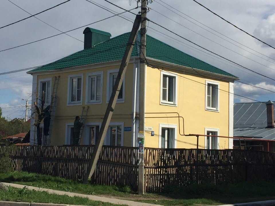Фасад дома окрашенный резиновой краской_1